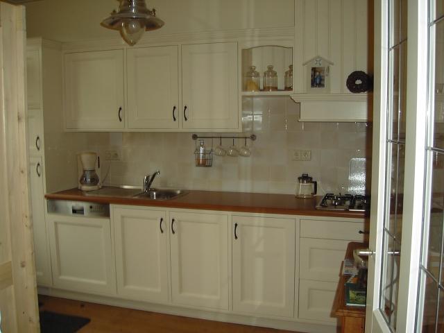 Creme Keuken : Handgemaakte keukens Slaapkamer en Badkamer Woonkamer meubels en